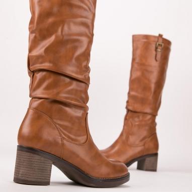 Casual μπότες με τετράγωνο τακούνι