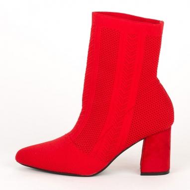 Μποτάκια κάλτσα με ντυμένο τακούνι