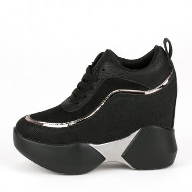 Sneakers πλατφόρμα με εσωτερικό τακούνι